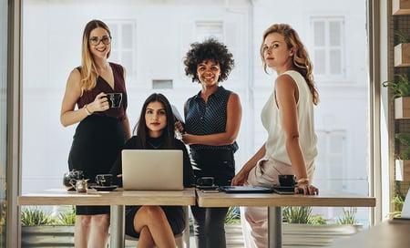 Naisten asemaa parannetaan työyhteisö kerrallaan