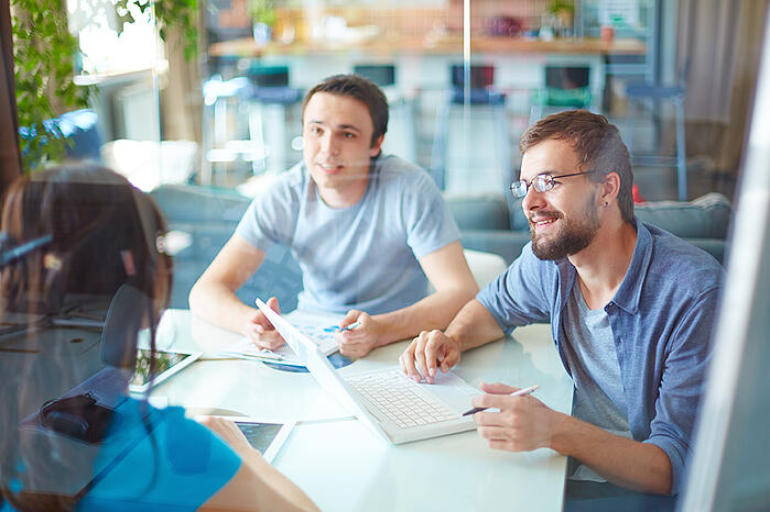 Uutta palvelussa: Sympa HR -integraatio ja entistä näppärämpi allekirjoitusprosessi